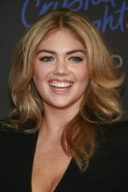Kate-Upton---10th-Style-Awards---05.md.jpg