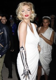 Kate-Upton-Heidi-Klums-12th-Annual-Halloween-Party-10.md.jpg