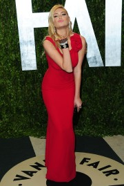Kate_Upton_2012-Vanity-Fair-Oscar-Party_Vettri.Net-19.md.jpg
