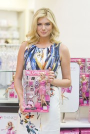 Kate_Upton_LFF-SS-2012-Photocall_Vettri.Net-34.md.jpg