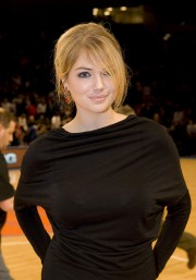 Kate_Upton_NJ-Nets-Vs-NY-Knicks_Vettri.Net-11.md.jpg