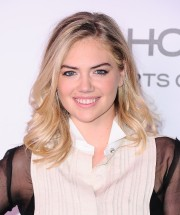 Kate-Upton---Harpers-BAZAAR-celebrates-150-Most-Fashionable-Women---01.md.jpg