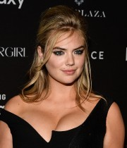 Kate-Upton-2015-Harpers-BAZAAR-ICONS-Event-09.md.jpg