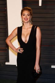 Kate-Upton-2016-Vanity-Fair-Oscar-Party-08.md.jpg