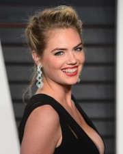 Kate-Upton-2016-Vanity-Fair-Oscar-Party-35.md.jpg