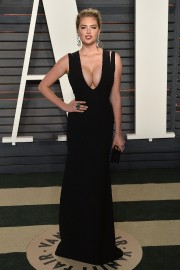 Kate-Upton-2016-Vanity-Fair-Oscar-Party-74.md.jpg