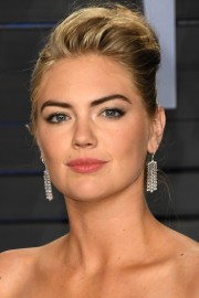 Kate-Upton-2018-Vanity-Fair-Oscar-Party-42.md.jpg