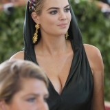 Kate-Upton-Heavenly-Bodies-Fashion-And-The-Catholic-01