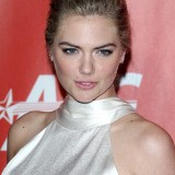 Kate-Upton-MusiCares-Person-of-the-Year-2017-08