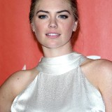 Kate-Upton-MusiCares-Person-of-the-Year-2017-14