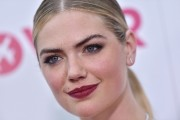 Kate-Upton-Premiere-of-The-Layover-56.md.jpg