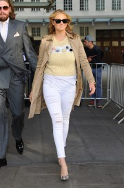 Kate_Upton_BBCRadio1-20150427_Vettri.Net-33.md.jpg