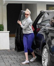 Kate Upton Workout Session in Los Angeles 2019 02