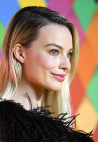 Margot-Robbie---Birds-of-Prey-World-Premiere-016.md.jpg Vettri.Net