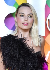 Margot-Robbie---Birds-of-Prey-World-Premiere-074.md.jpg Vettri.Net