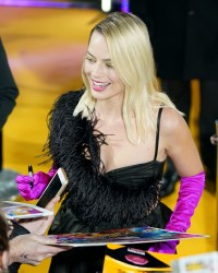 Margot-Robbie---Birds-of-Prey-World-Premiere-148.md.jpg Vettri.Net