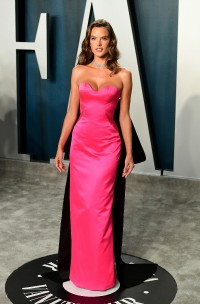 Alessandra-Ambrosio---2020-Vanity-Fair-Oscar-Party-09.md.jpg Vettri.Net