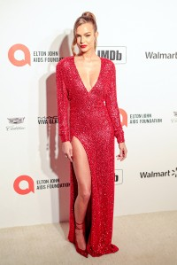 Josephine-Skriver---28th-Elton-John-AIDS-Foundation-AA-Viewing-Party-03.md.jpg Vettri.Net