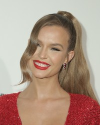Josephine-Skriver---28th-Elton-John-AIDS-Foundation-AA-Viewing-Party-09.md.jpg Vettri.Net