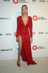 Josephine-Skriver---28th-Elton-John-AIDS-Foundation-AA-Viewing-Party-12.md.jpg Vettri.Net