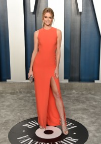 Kate-Bock---2020-Vanity-Fair-Oscar-Party-04.md.jpg Vettri.Net