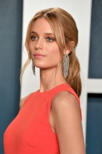 Kate-Bock---2020-Vanity-Fair-Oscar-Party-34.md.jpg Vettri.Net