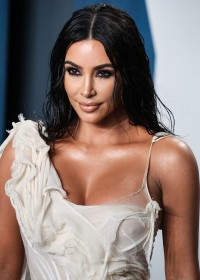 Kim-Kardashian---2020-Vanity-Fair-Oscar-Party-03.md.jpg Vettri.Net