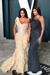 Kim-Kardashian---2020-Vanity-Fair-Oscar-Party-18.md.jpg Vettri.Net
