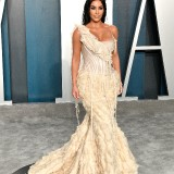 Kim-Kardashian---2020-Vanity-Fair-Oscar-Party-20
