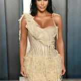 Kim-Kardashian---2020-Vanity-Fair-Oscar-Party-43