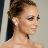 Nicole-Richie---2020-Vanity-Fair-Oscar-Party-01