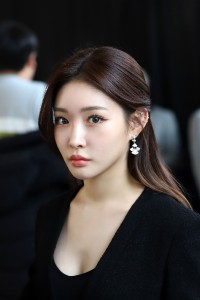 Kim-Chung-Ha---34th-Golden-Disc-Awards-12.md.jpg Vettri.Net