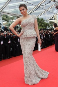 Aishwarya-Rai---64th-Cannes-Opening-Ceremony-29.md.jpg