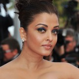 Aishwarya-Rai---64th-Cannes-Sleeping-Beauty-Premiere-40