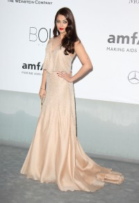 Aishwarya-Rai---Cannes-2014-amfARs-Cinema-Against-AIDS-Gala---04.md.jpg