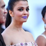 Aishwarya-Rai---Cannes-2016---From-The-Land-And-The-Moon-Premiere---07