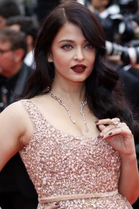 Aishwarya-Rai---Cannes-2016---The-BFG-Premiere---40.md.jpg