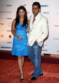 Aishwarya-Rai---Cinema-Verite-Press-Conference-2009-Cannes---02.md.jpg