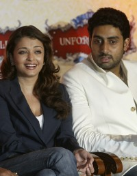 Aishwarya-Rai---Light-a-Billion-Lives-Campaign-05.md.jpg