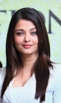 Aishwarya-Rai---The-Unforgetable-Tour-Photocall-01.md.jpg