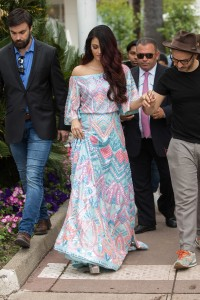 Aishwarya-Rai-Sightings-In-Cannes-2018---10.md.jpg