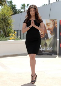 Aishwarya_Rai_2010-CFF-Raavan-Photo-Call_Vettri.Net-07.md.jpg