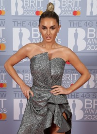 Amber-Davies---BRIT-Awards-2020-02.md.jpg