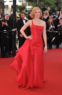 Elizabeth-Banks---Cannes-2009-Up-Premiere---08.md.jpg