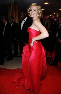 Elizabeth-Banks---Cannes-2009-Up-Premiere---26.md.jpg