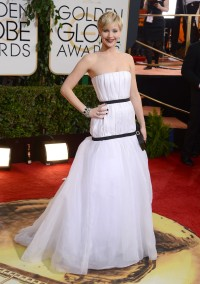 Jennifer-Lawrence---71st-Golden-Globe-Arrivals-04.md.jpg