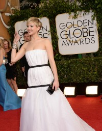 Jennifer-Lawrence---71st-Golden-Globe-Arrivals-09.md.jpg