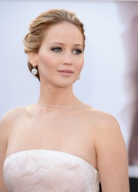 Jennifer-Lawrence---85th-Academy-Award-Arrivals-07.md.jpg