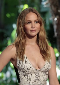 Jennifer-Lawrence---Hollywood-FPA-2012-Luncheon-010.md.jpg