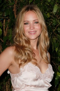 Jennifer-Lawrence---QVC-Red-Carpet-Style-Party-07.md.jpg